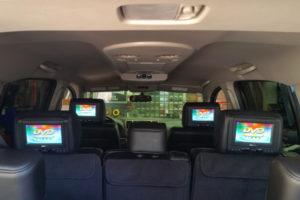 15-nissan-armada-headrest-screen